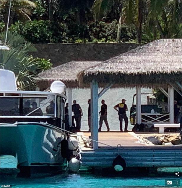 Screenshot_2019-08-12 A dozen FBI agents raid Jeffrey Epstein's 'Pedophile Island'(1)